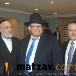 Monsey Unites for Chai4ever